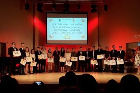Podsumowanie osiągnięć uczniów i nauczycieli szkół publicznych powiatu żywieckiego 2018/2019