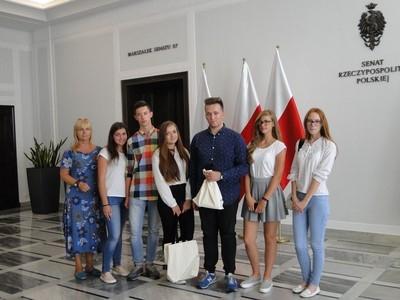 Zwycięzcy dwóch konkursów gościli w Warszawie w Sejmie i Senacie RP