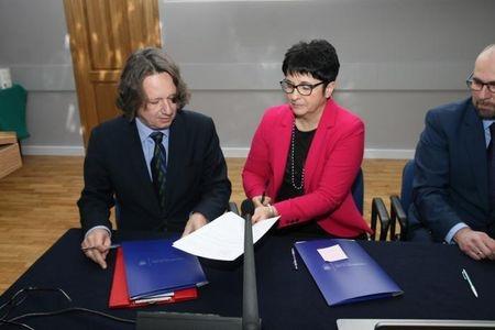 Mamy powód do dumy i nadzieję na ciekawe kontakty z nauką akademicką: Uniwersytet Śląski podpisał z